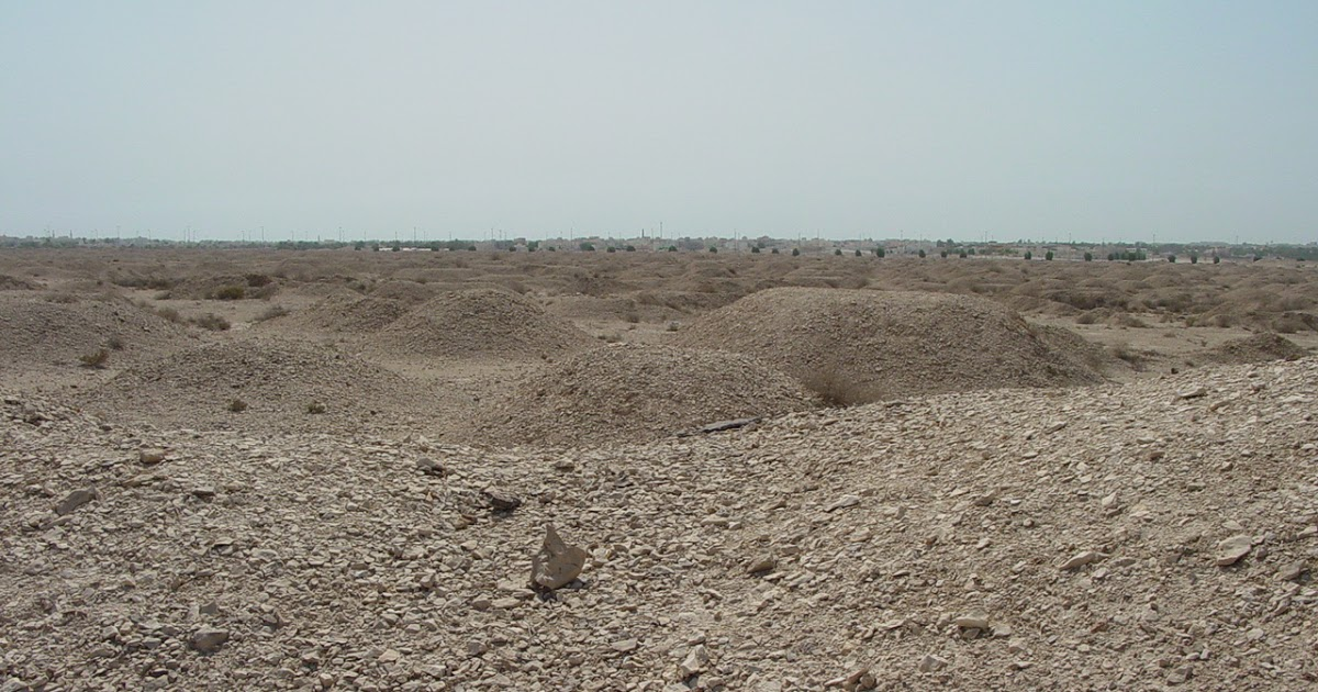 A'Ali Burial Mounds A'Ali, 881 A'ali Cemetery, Dilman Culture Burial Mounds, Bahrain ...