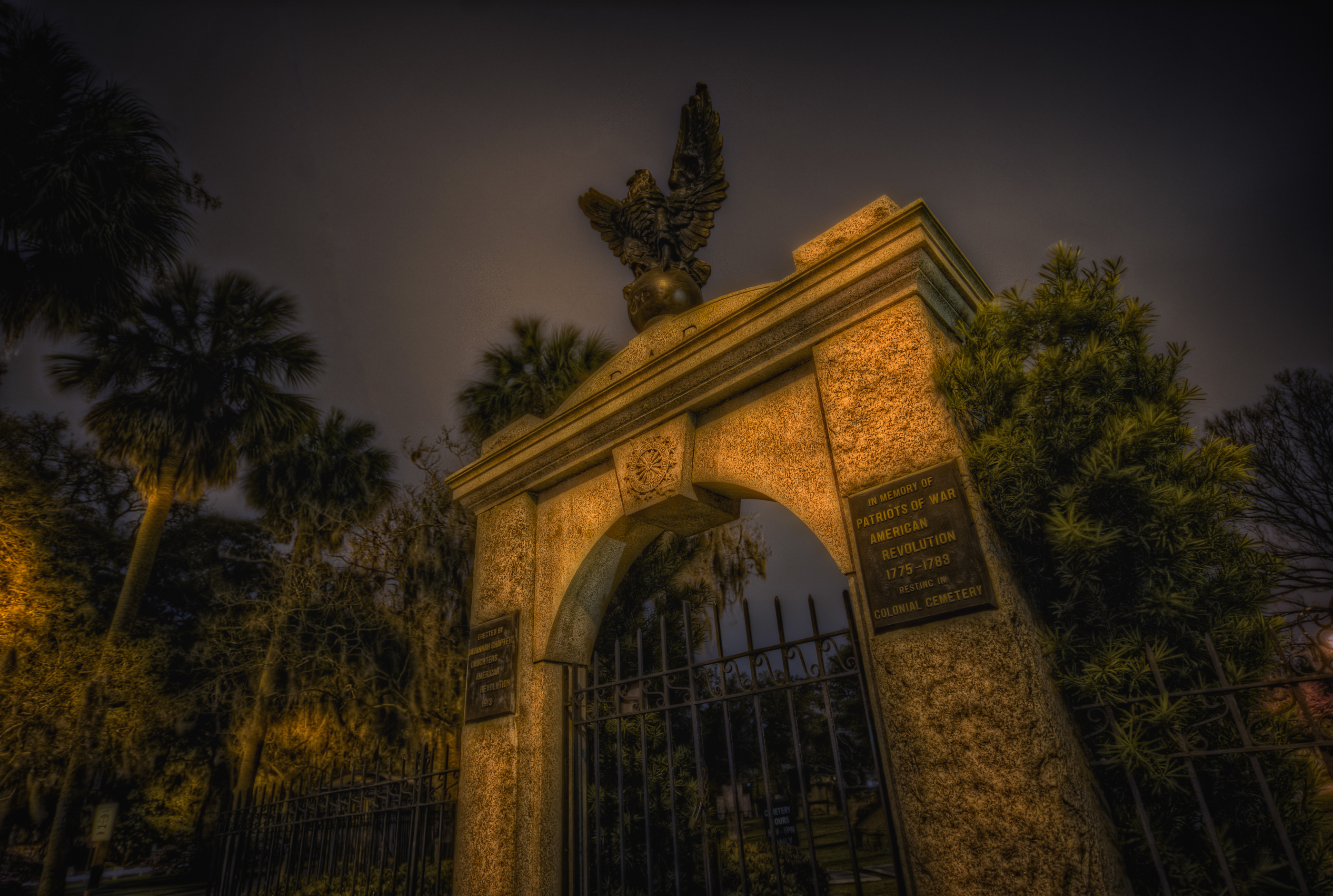 A-J's Savannah, The Ghosts of Colonial Park Cemetery | Ghost City Tours