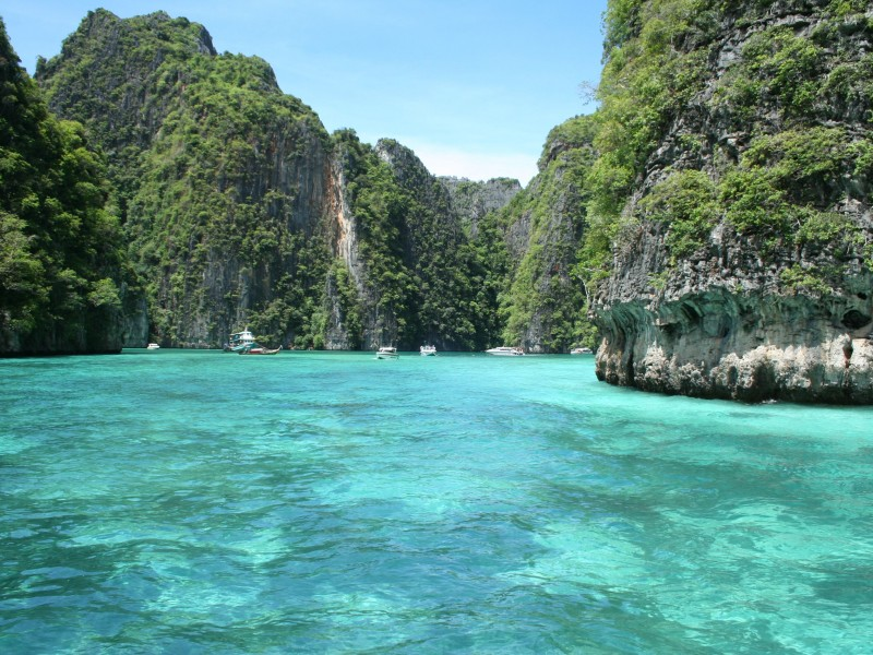 Ao Pileh Ko Phi-Phi Don, Phi Phi Tour by Cruise Normal to Ao Nang, Railay ,Lanta, Krabi ...