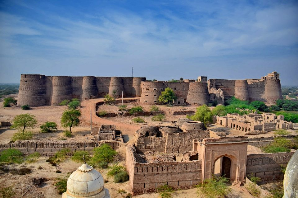 Bala Hisar Fort Peshawar, Briefings about the Derawar Fort and also Rawat Fort