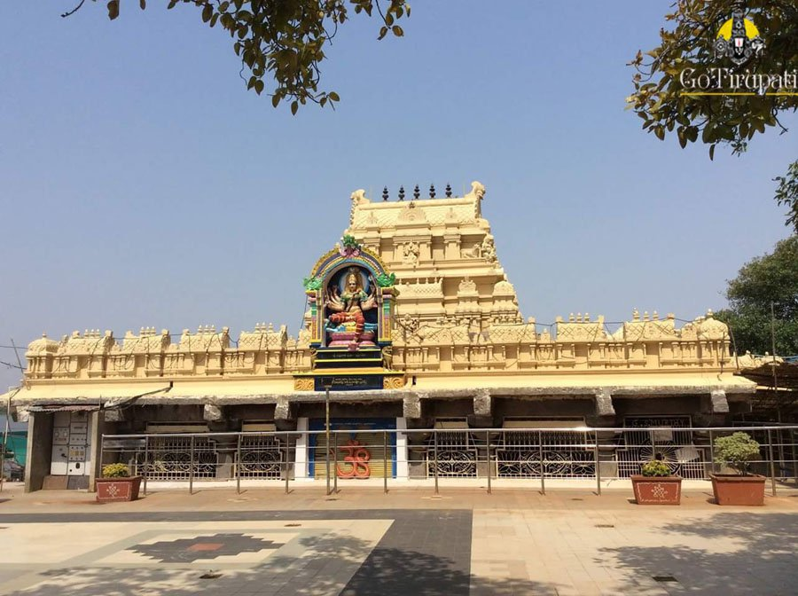 Bhadrakali Temple Warangal, Bhadrakali Temple of Devi / #Shakti in the form of #Kali Warangal ...