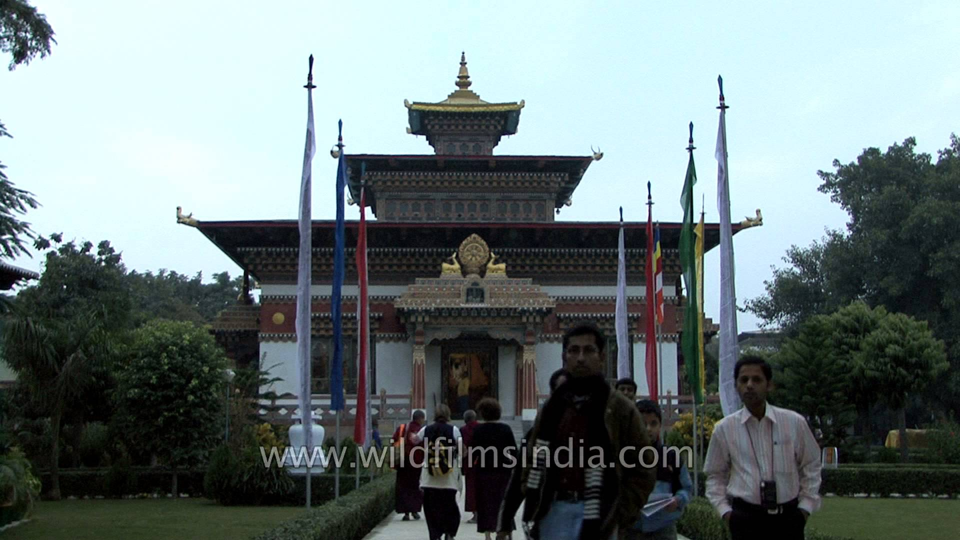 Bhutanese Monastery Bodhgaya, Visitors at the Royal Bhutan Temple and Thai monastery, Bodhgaya ...