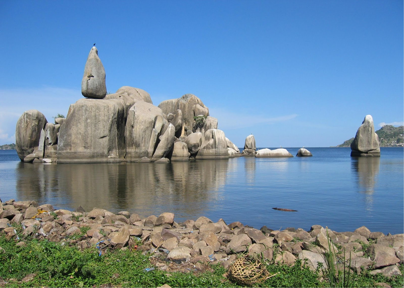 Bismarck Rock Mwanza, Mwanza City | Places to visit in Mwanza, Tanzania