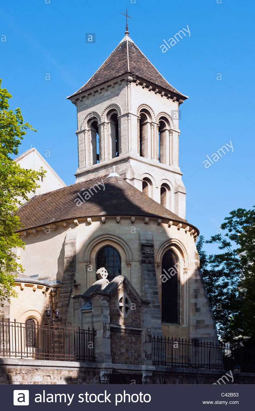 Brasserie BapBap Paris, St-Pierre de Montmartre Church in Paris, France Francais Stock ...