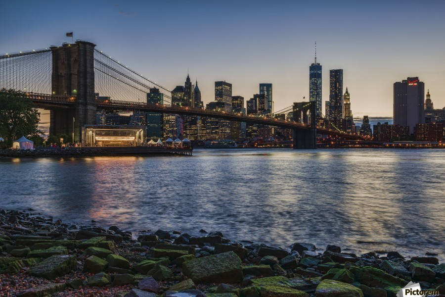 Brooklyn Museum New York City, Manhattan skyline at twilight with Brooklyn Bridge, Brooklyn ...