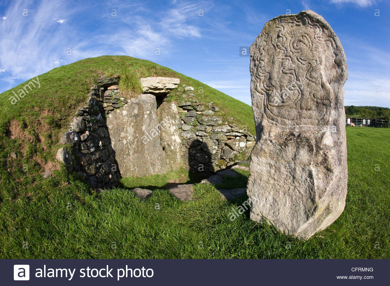 Bryn Celli Ddu North Wales, Bryn Celli Ddu a chambered neolithic burial mound and spiral ...
