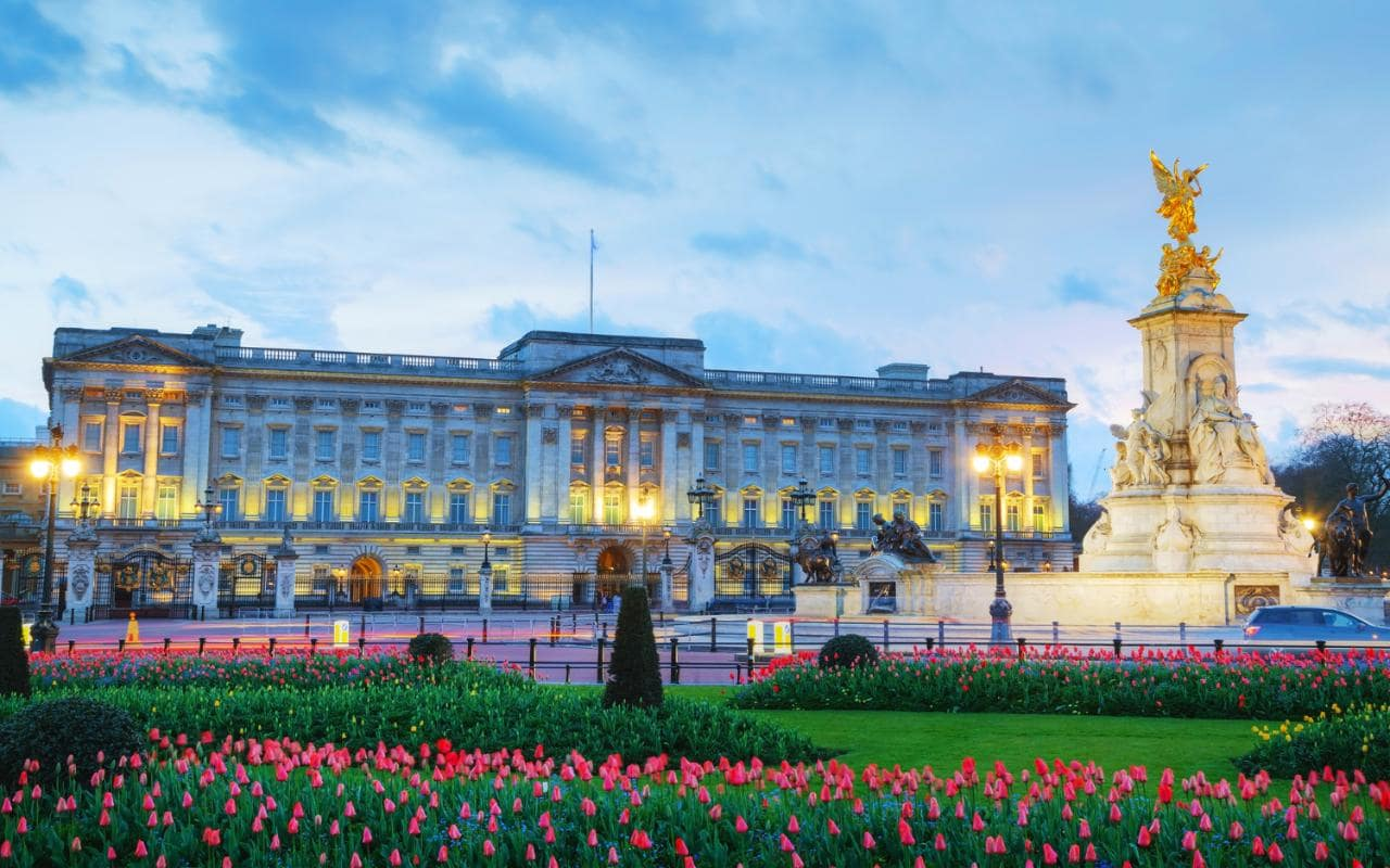 Buckingham Palace London, The boy who stole Queen Victoria's knickers, and 19 other ...