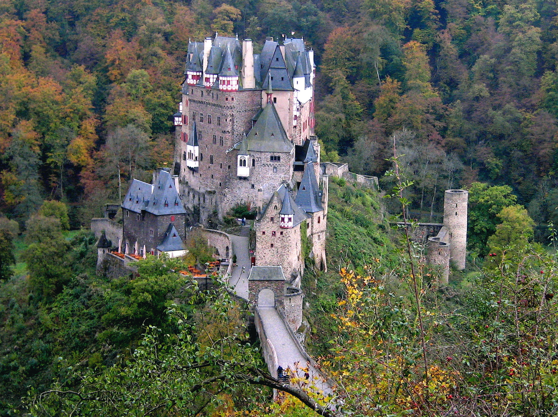 Burg Eltz The Moselle Valley, Eltz Castle: Home of the Knights | A Pakistani in the Bundesrepublik