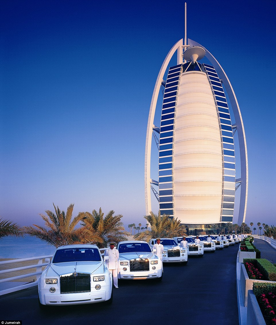 Burj Al Arab Dubai, My night in Dubai's 7-star Burj Al Arab with revolving beds and ...