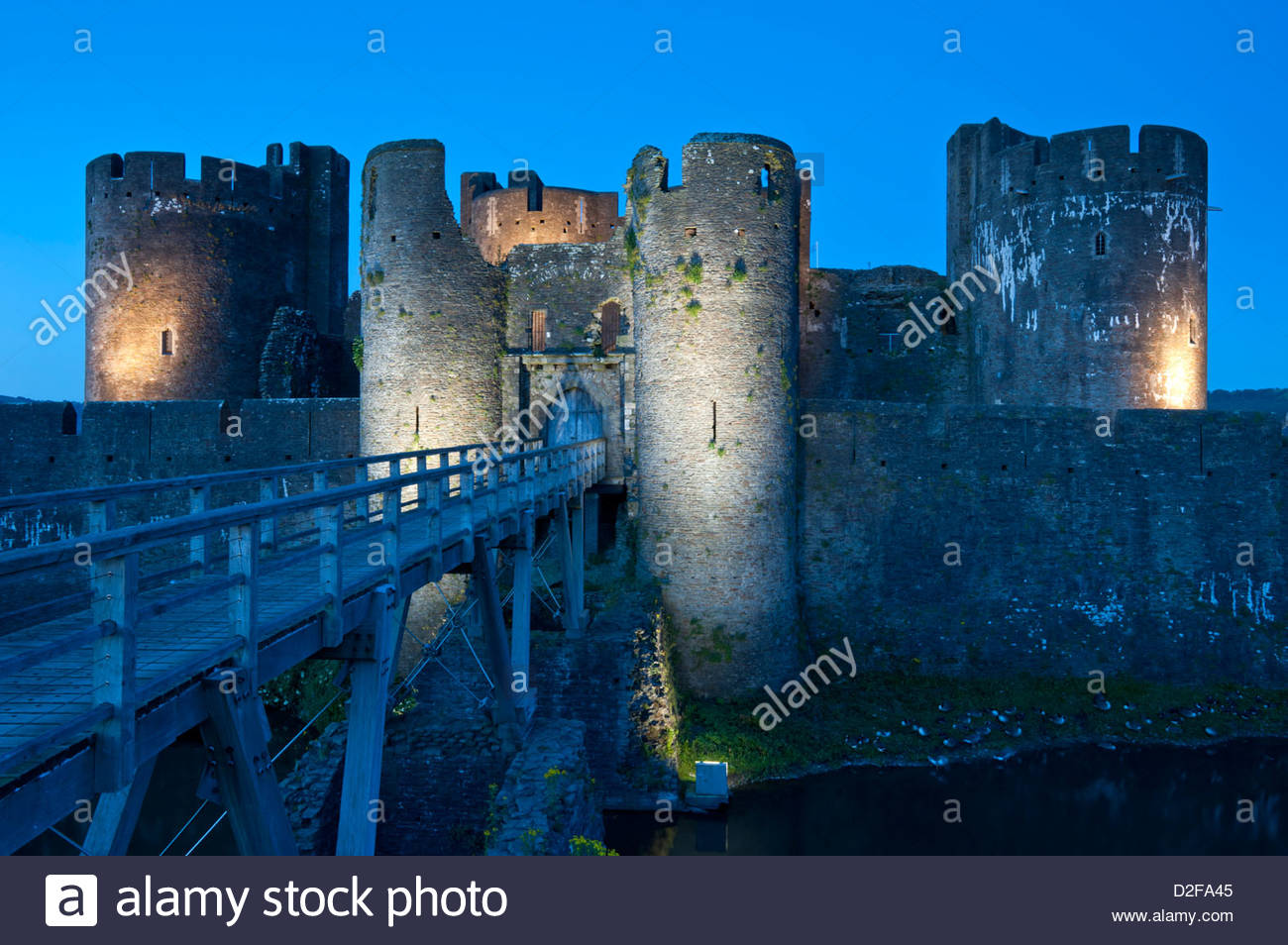 Caerphilly Castle South Wales, Caerphilly Castle at Night, Caerphilly, South Wales, UK Stock ...