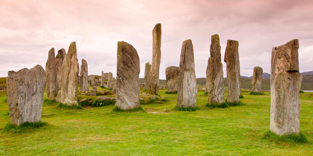 Calanais Standing Stones The Northern Highlands and the Western Isles, BBC - Earth - The strange origin of Scotland's stone circles