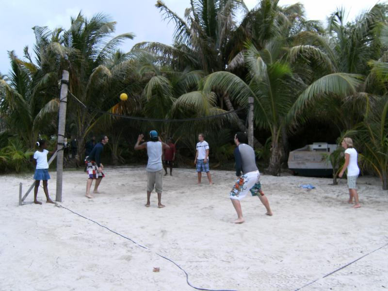 Calypso Beach Retreat The Cayes and Atolls, Calypso Beach Retreat - Large Group Accommodations