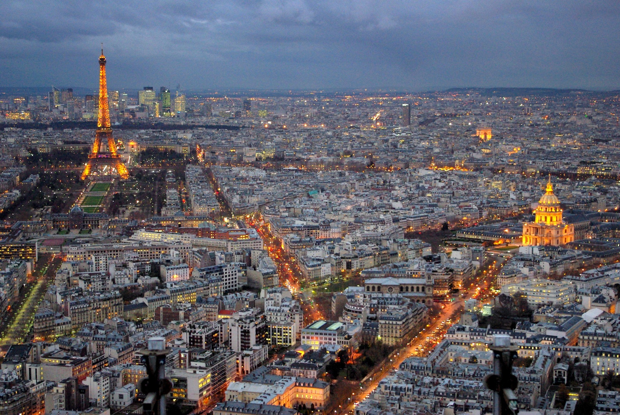 Carrefour de Buci Paris, Discover the stunning view from Tour Montparnasse - French Moments