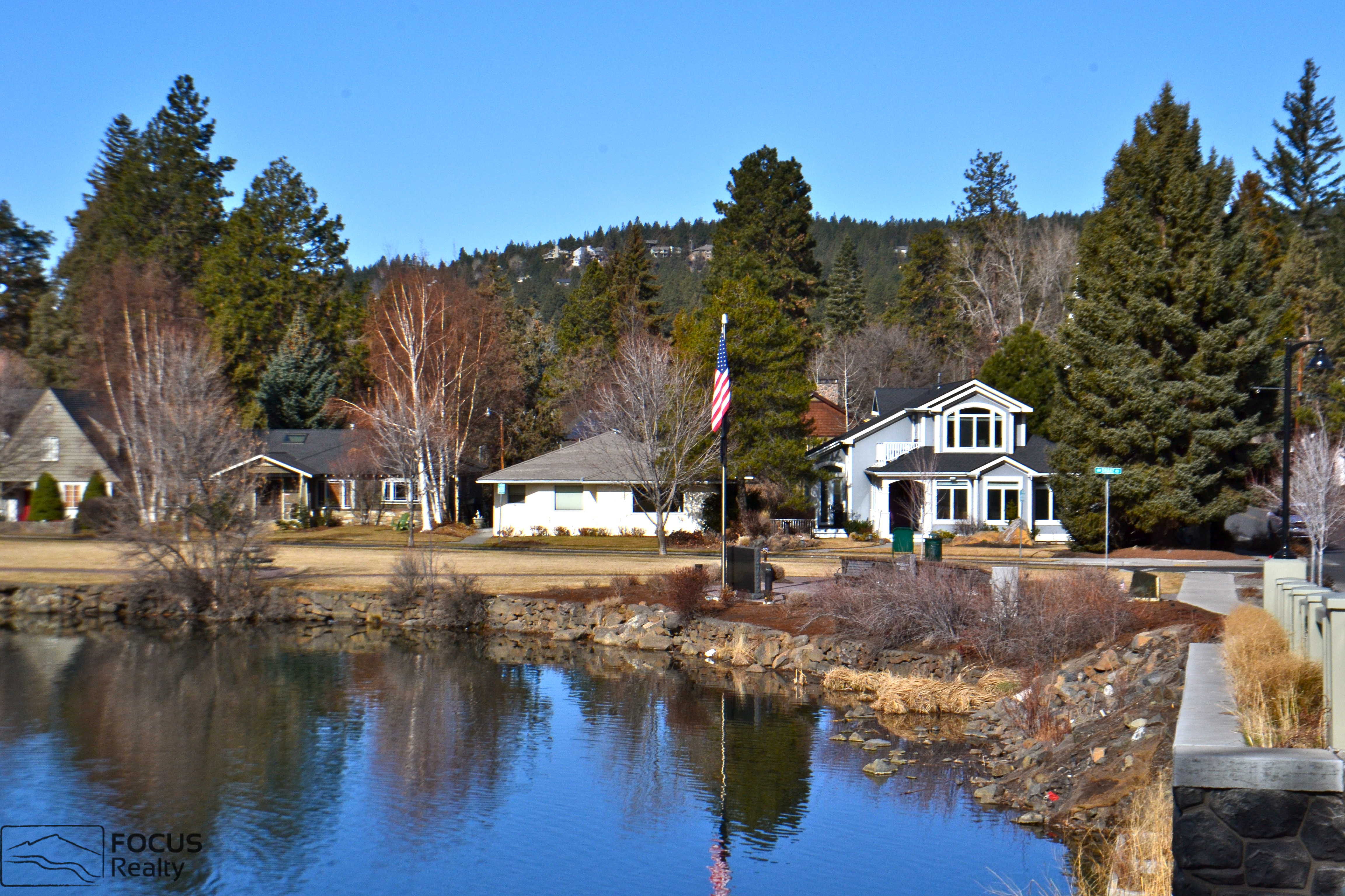 Cascade Lakes Scenic Byway Central Oregon, Mirror pond Downtown Bend Oregon | Downtown Bend | Pinterest ...