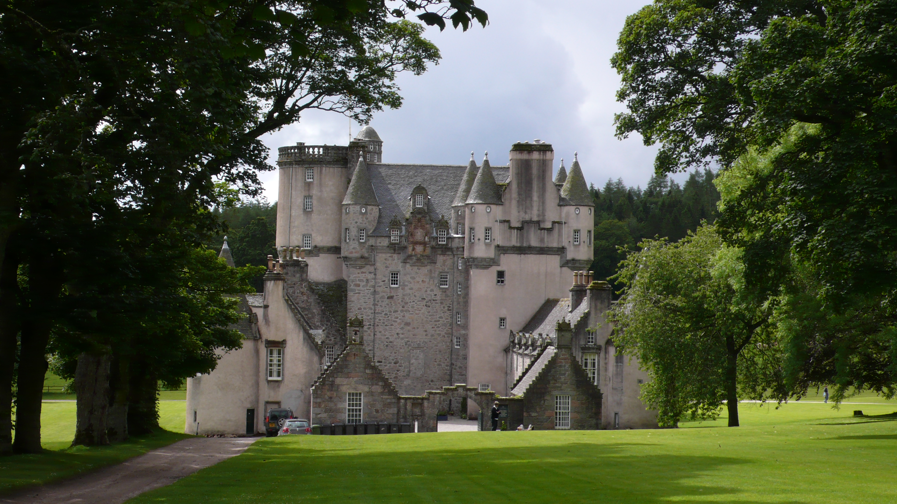 Castle Fraser Aberdeen and the Northeast, Castle Fraser, Aberdeenshire, Scotland | Scotland | Pinterest ...