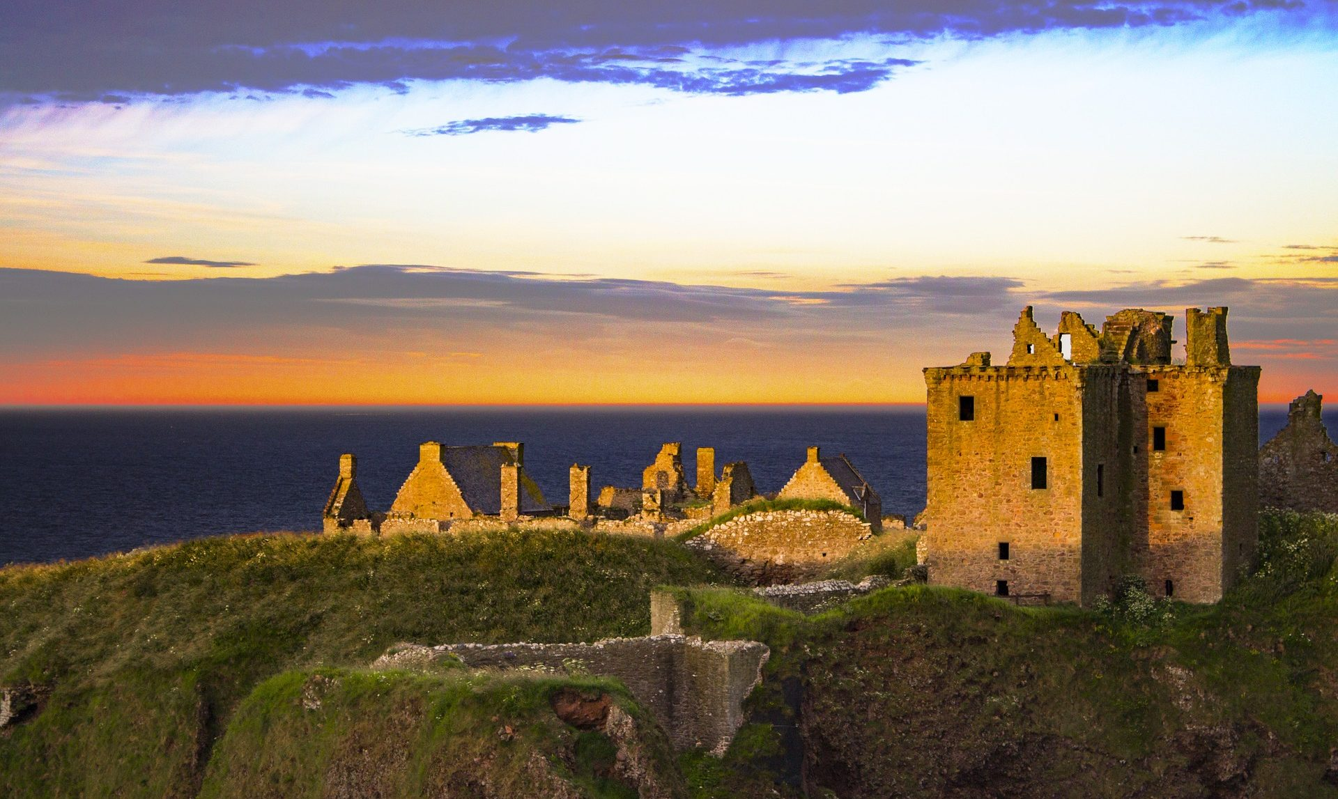 Castle Trail Aberdeen and the Northeast, Edinburgh Castle - Castles and more from Duncans Tours of Scotland