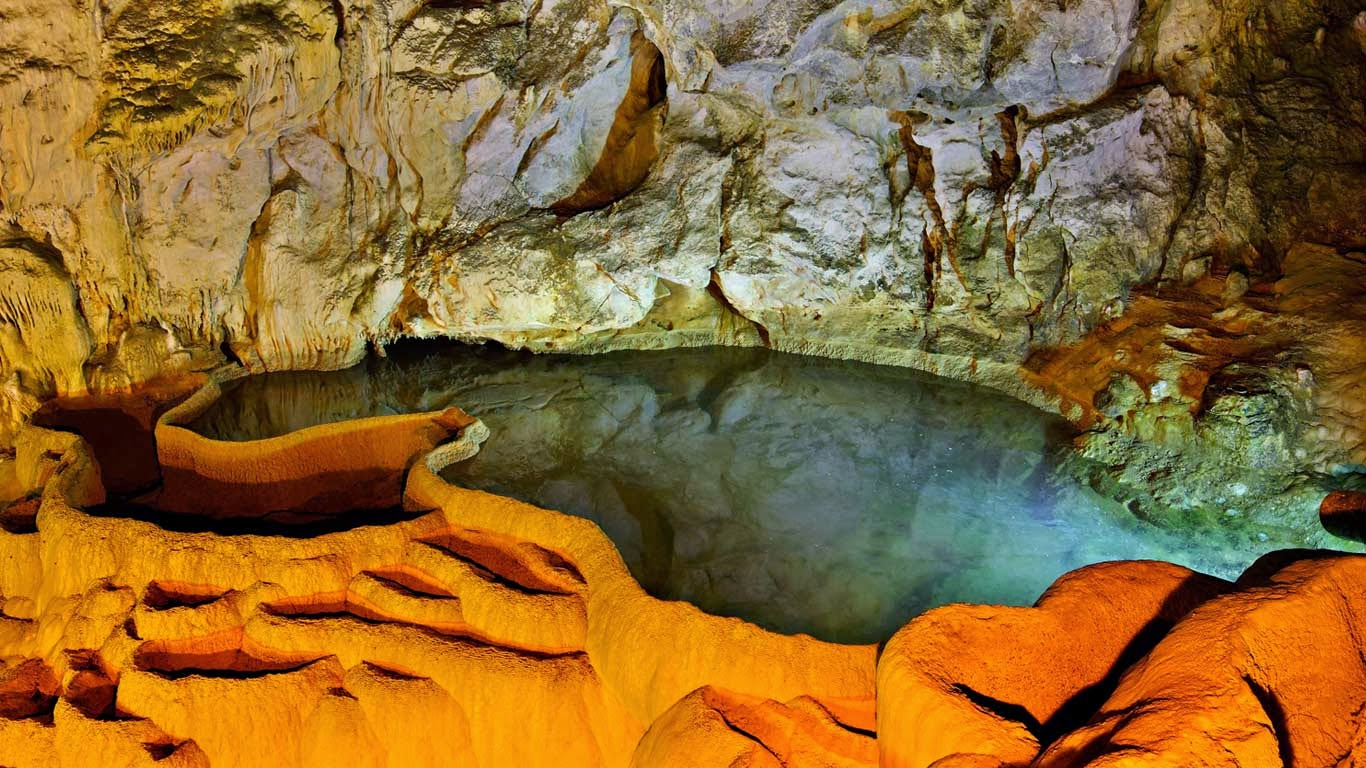 Cave of the Lakes Achaïa, Bing fotos: Cave of the Lakes in Kalavryta, Achaia, Peloponnese ...