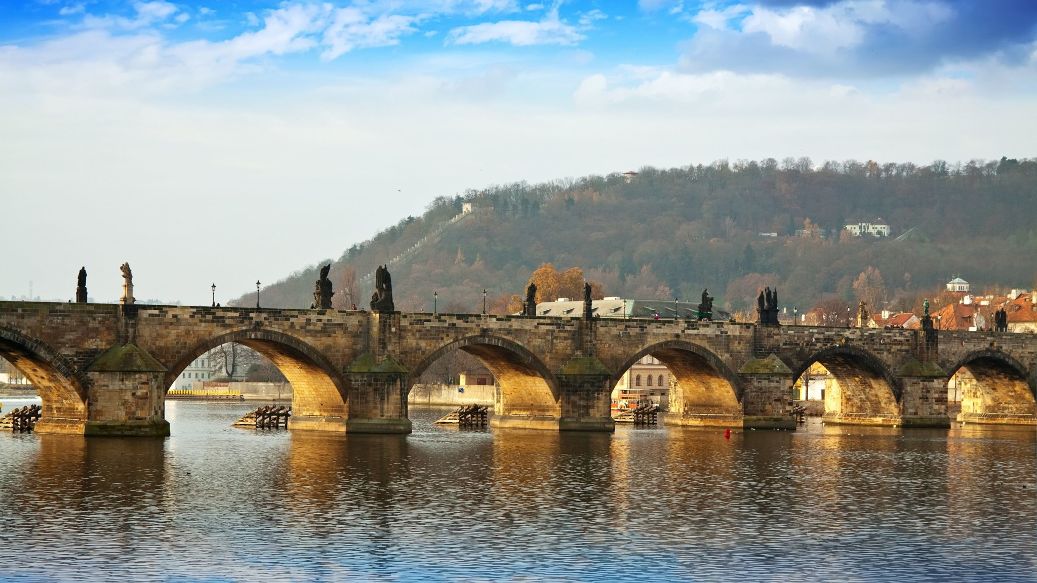 Charles Bridge Museum Prague, Charles bridge in Prague, Czech Republic : Layover Guide