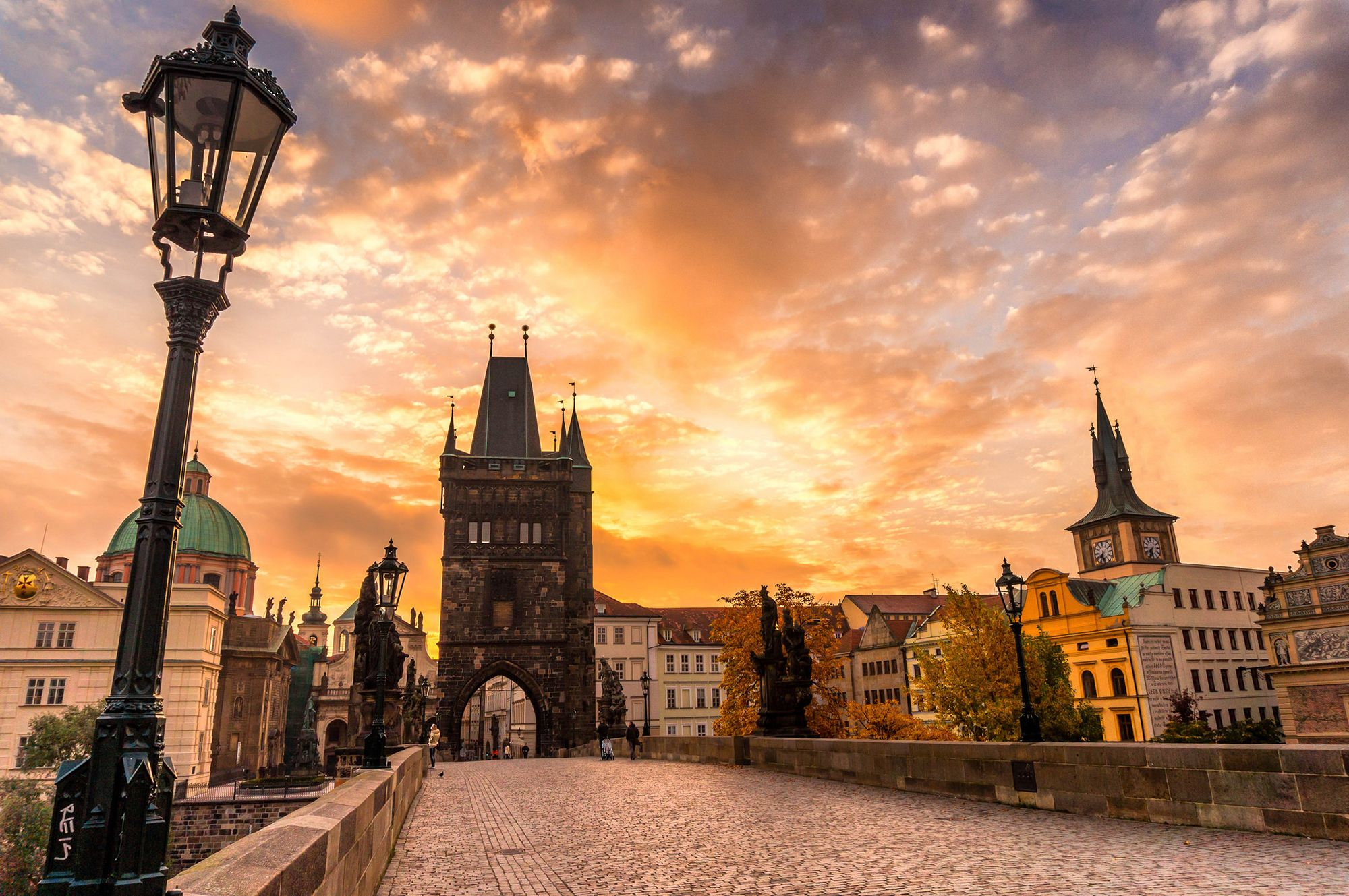 Charles Bridge Museum Prague, Charles Bridge with Prague Venice Canal Boat Trip | Prague Tourist ...