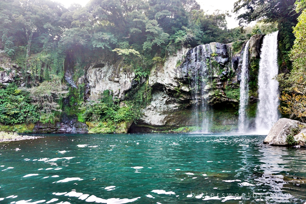 Jeongbang Waterfall Jeju Island, Place of Interest in Jeju Island : Cheonjiyeon Waterfall ...