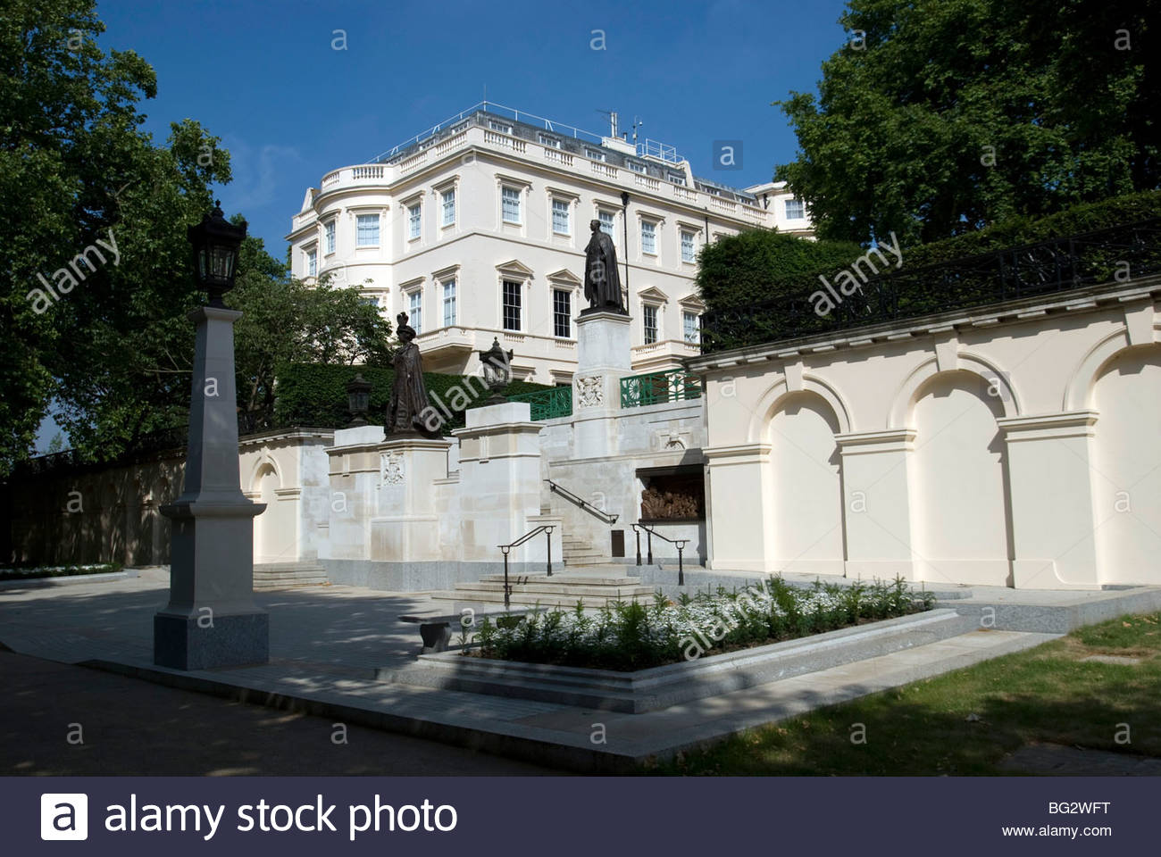 Clarence House London, St James's Palace and Clarence House on The Mall, London Stock ...