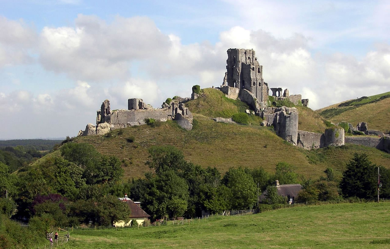 Corfe Castle Corfe Castle, Museum & History Society Combines AGM with Corfe Castle Talk