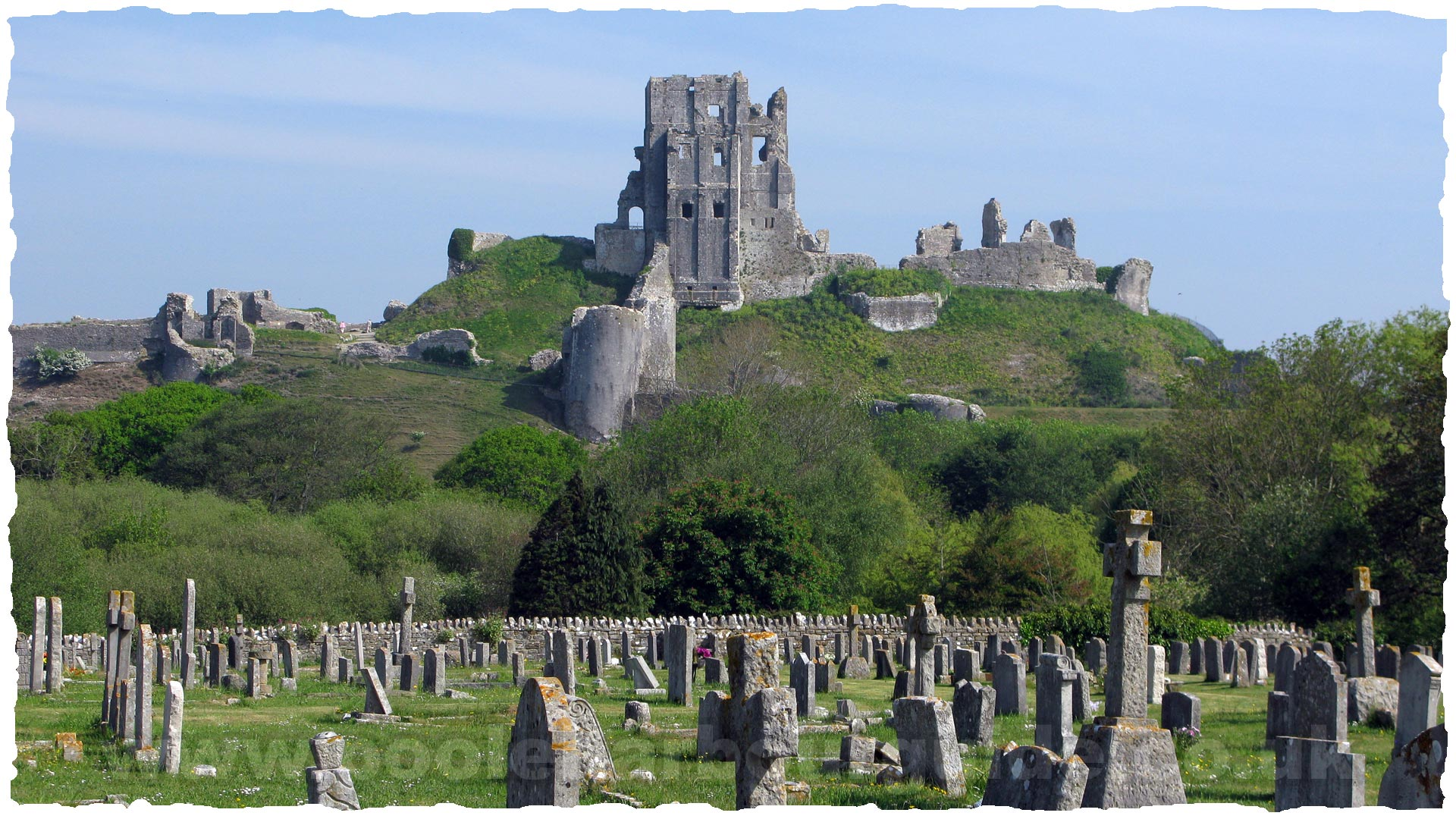 Corfe Castle Corfe Castle, Corfe Castle Visitors Guide, Corfe Castle Poole Dorset UK: An ...
