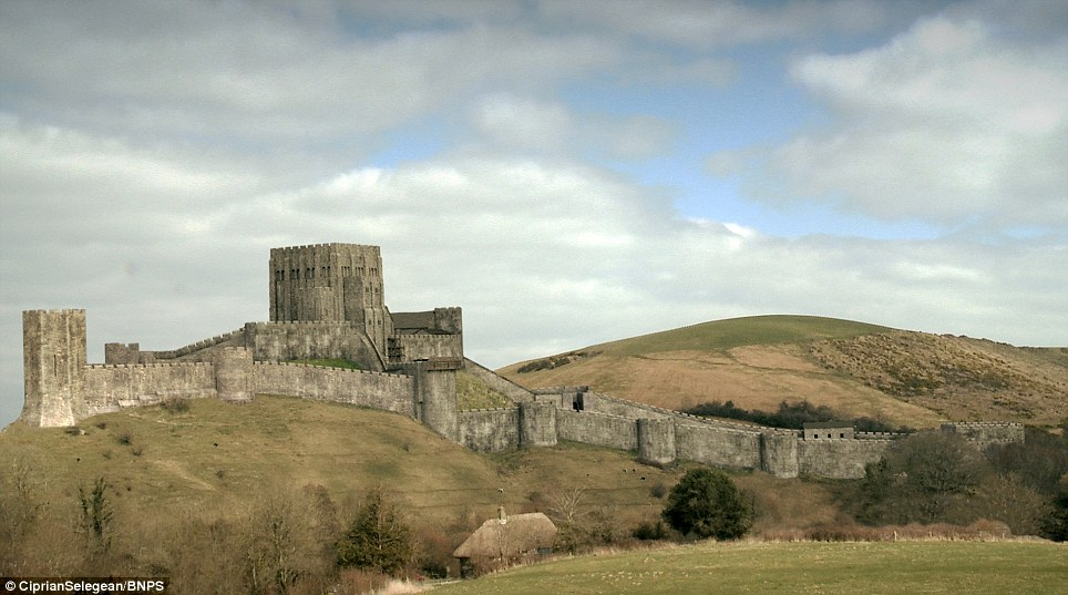 Corfe Castle Corfe Castle, English Civil War damages to Corfe Castle digitally restored after ...