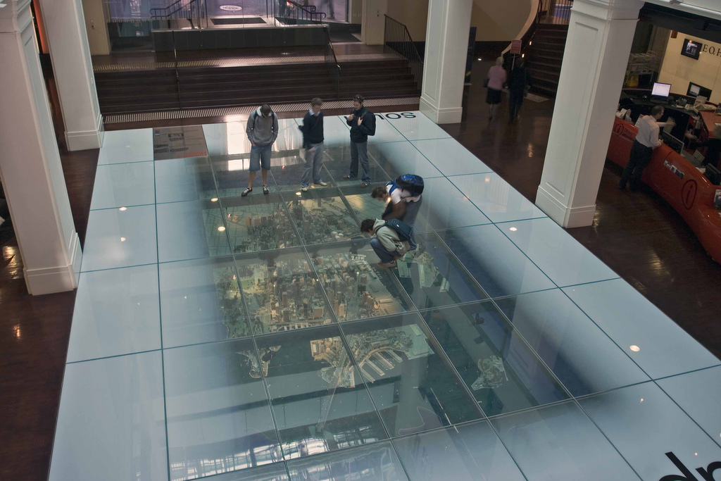 Customs House Library Sydney, Customs House Library, Sydney | Admiring the model of the Ci… | Flickr