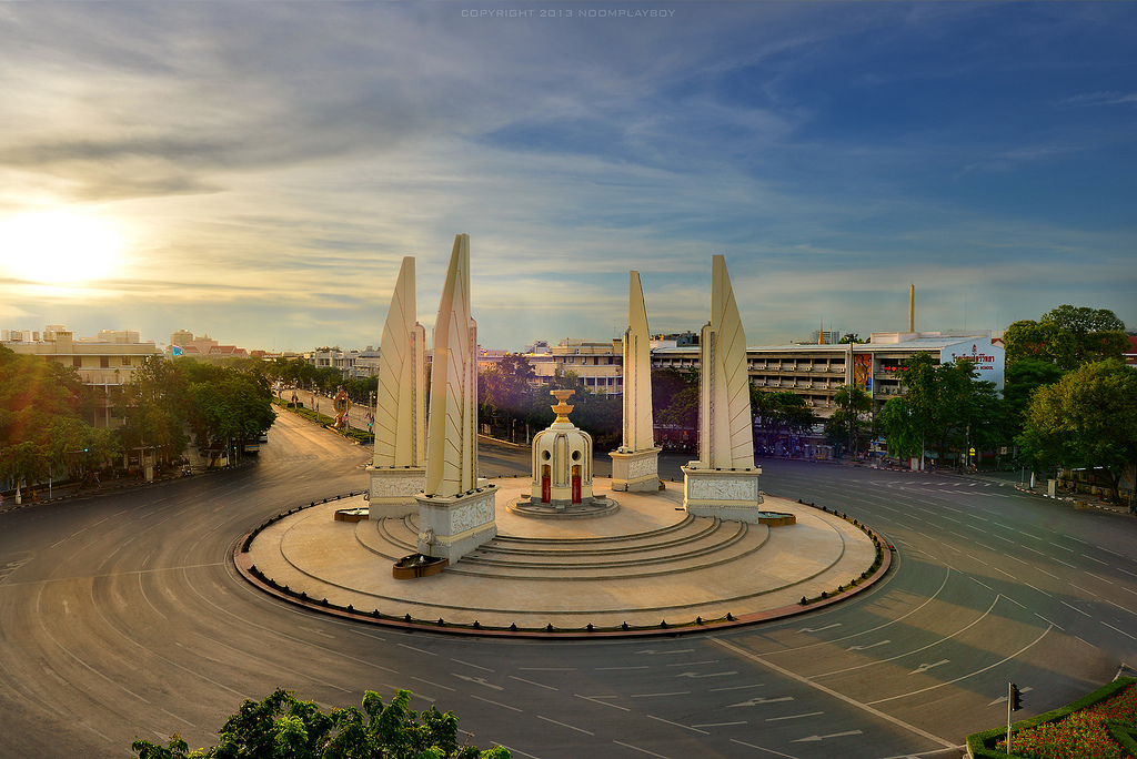 Democracy Monument Bangkok, The Democracy Monument in Bangkok : Thailand | The Democracy… | Flickr