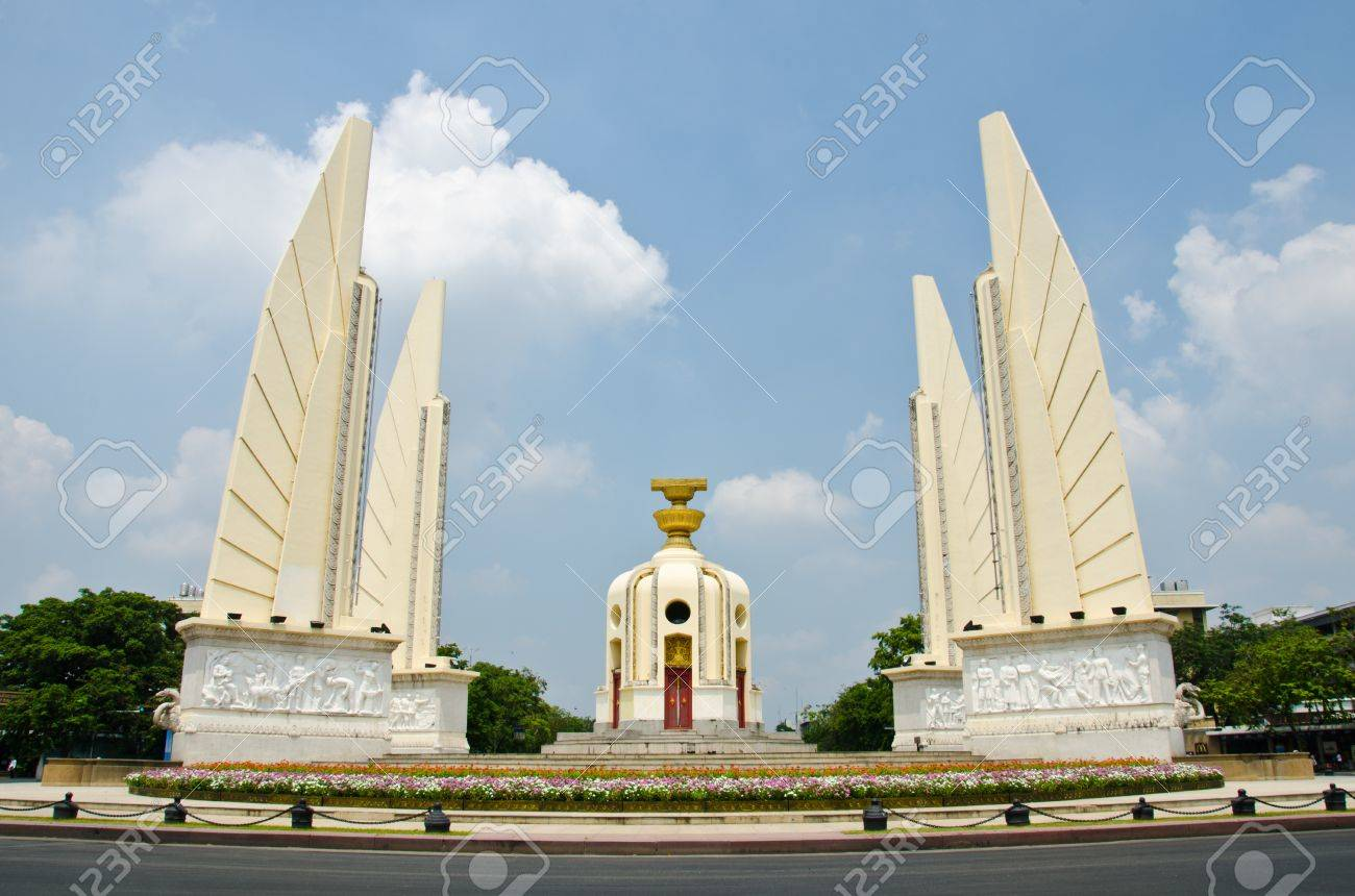 Democracy Monument Bangkok, The Democracy Monument Anusawari Prachathipatai Is A Public ...