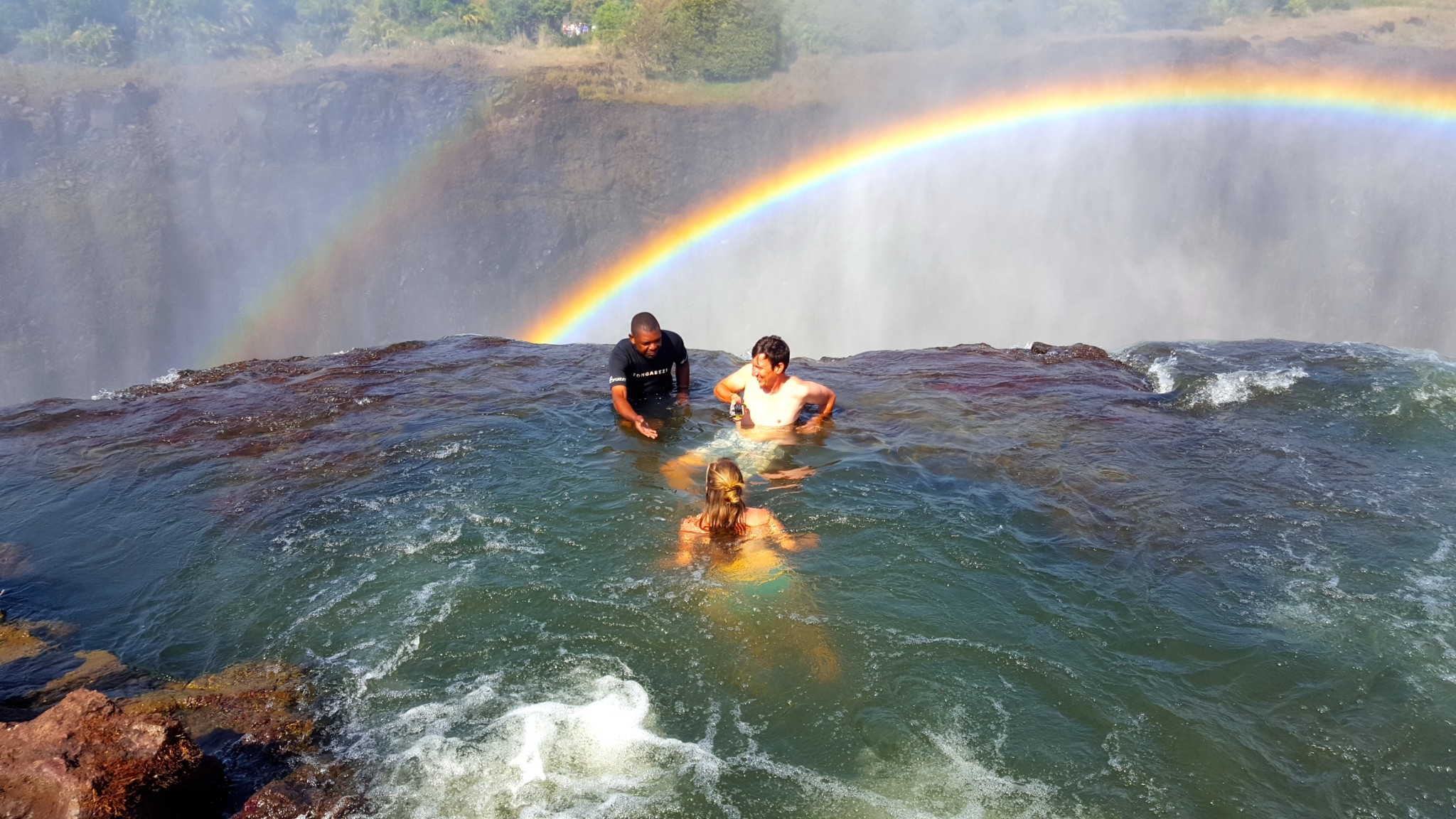 Devil's Pool Livingstone, Travel Guide: How To Visit Devil's Pool Victoria Falls (And Survive)