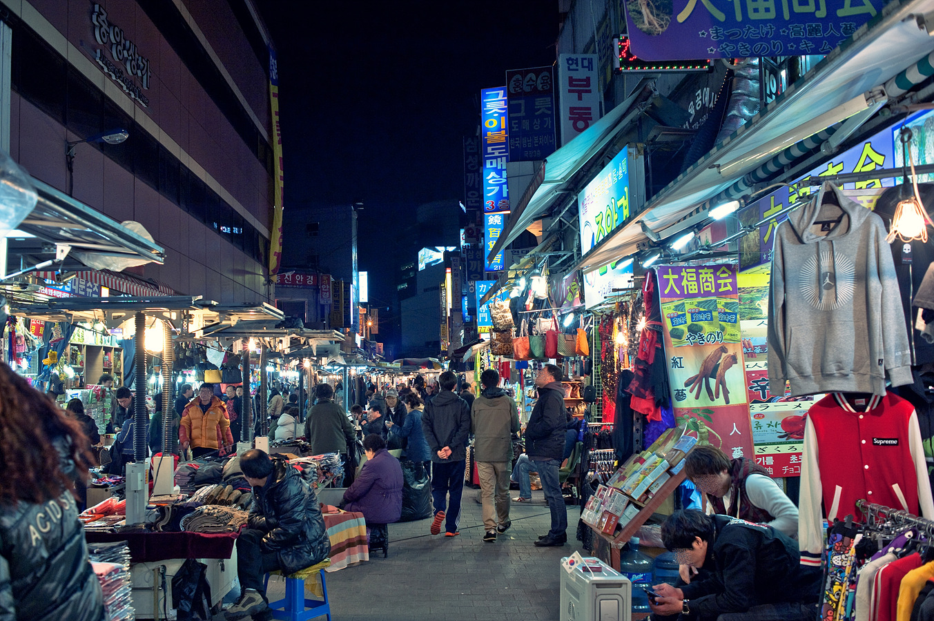 Dongdaemun Market Seoul, 9 Well Known Traditional Markets In Seoul | Story Tourder's