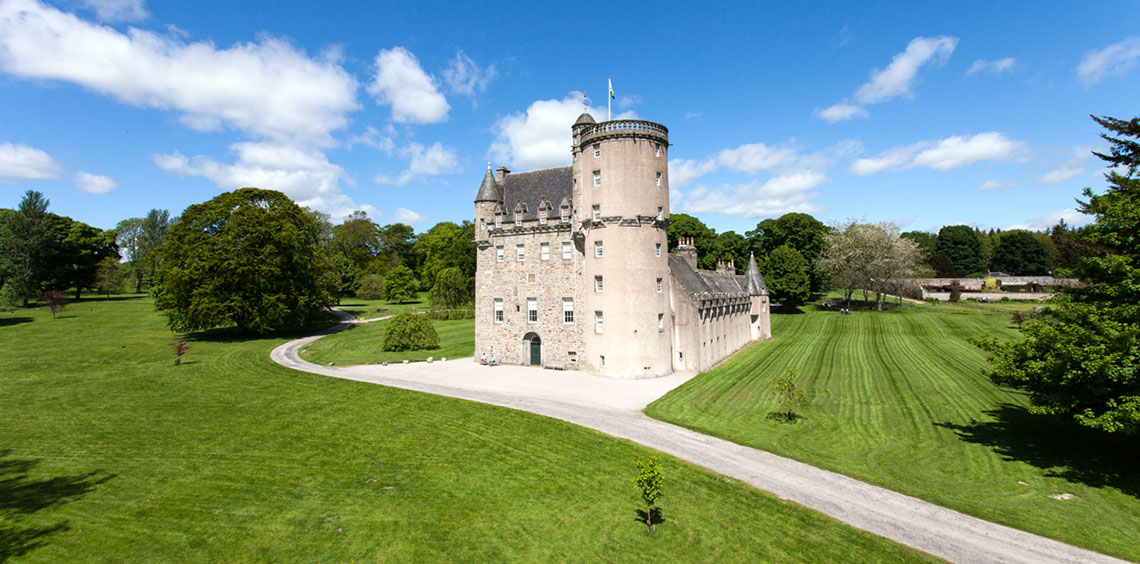 Castle Fraser Aberdeen and the Northeast, Crathes Castle - Visit - National Trust for Scotland