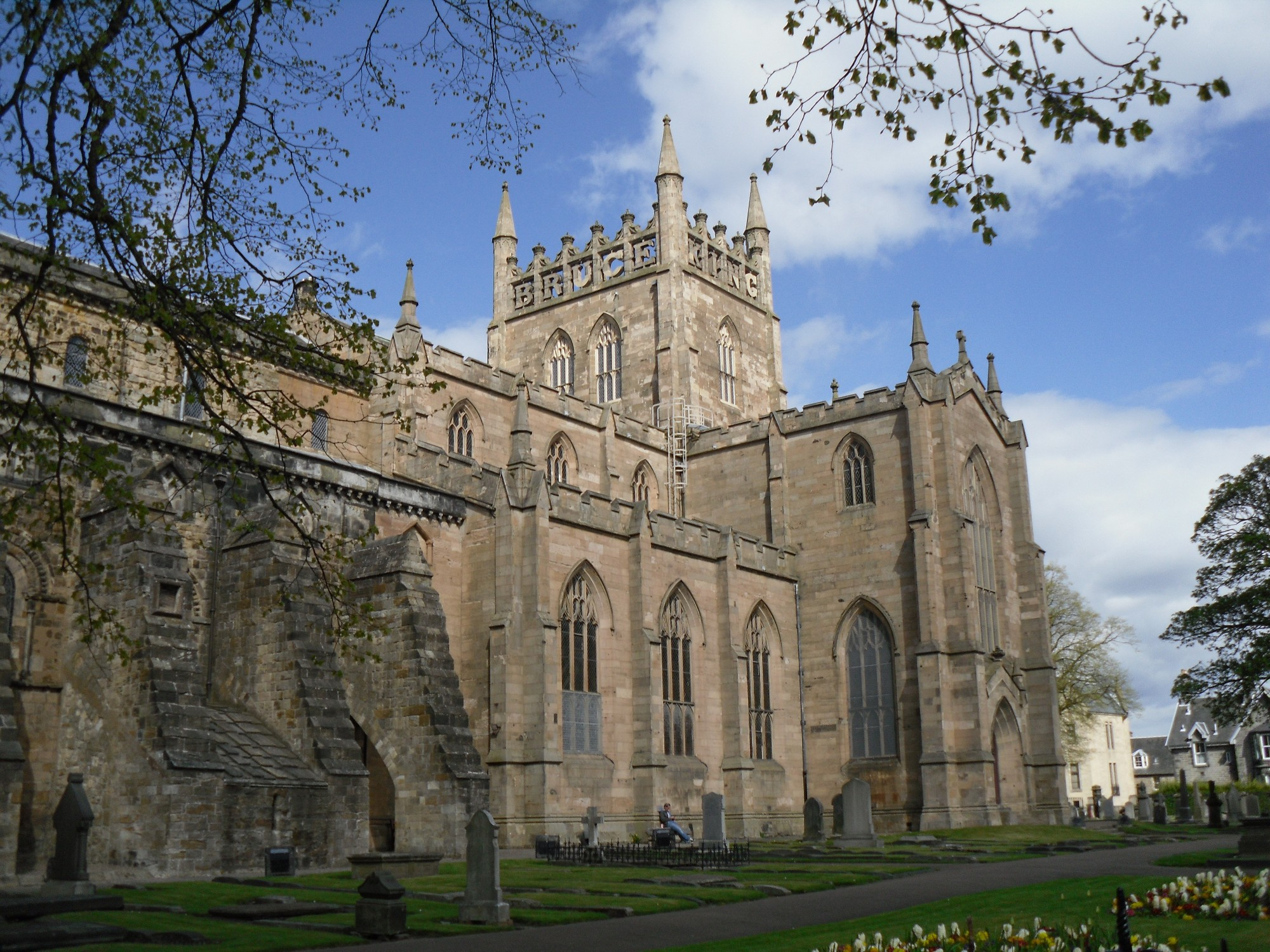 Dunfermline Abbey & Palace Dunfermline, Dunfermline Abbey | Pining for the West