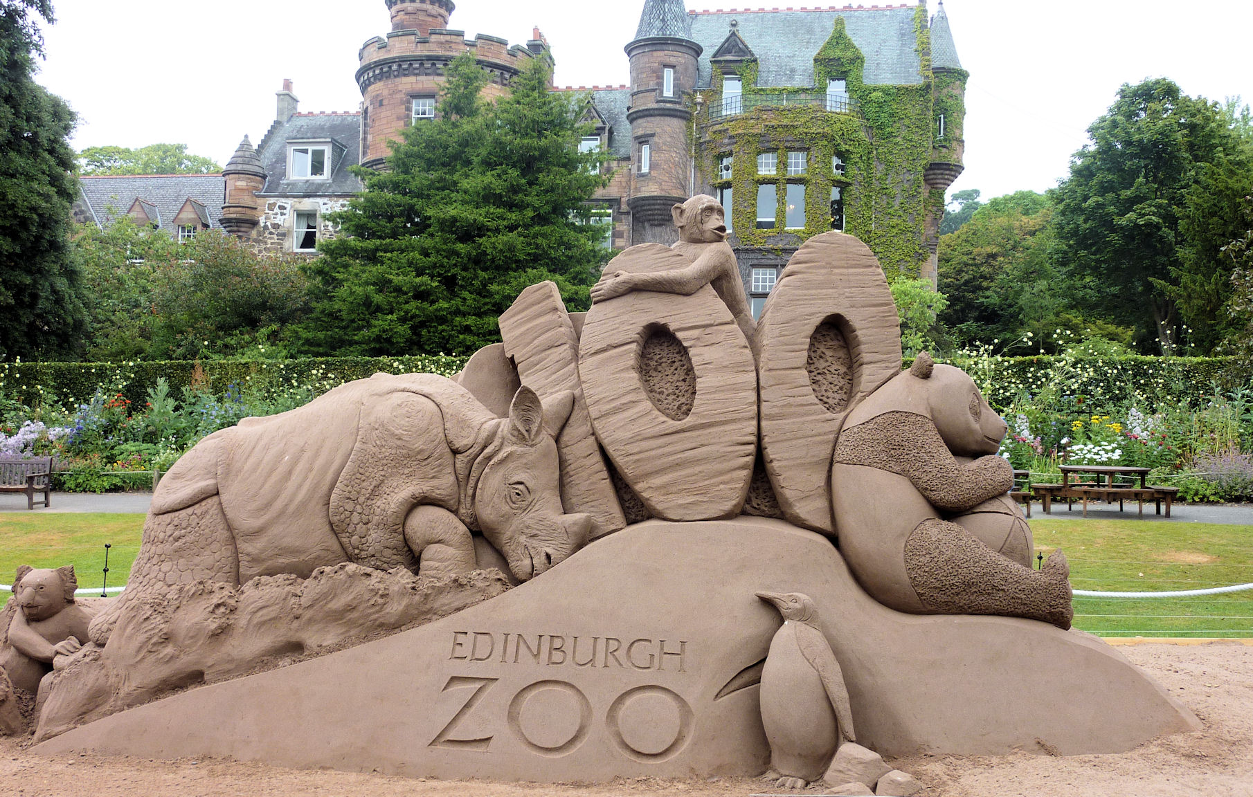 Edinburgh Zoo Edinburgh, Edinburgh Zoo | VISIT ALL OVER THE WORLD