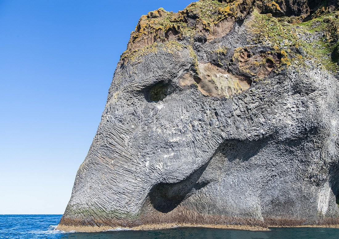 Elephant Rock Northern Saudi Arabia, Naturally Erupted Elephant Rock in Heimaey, Iceland | Unusual Places