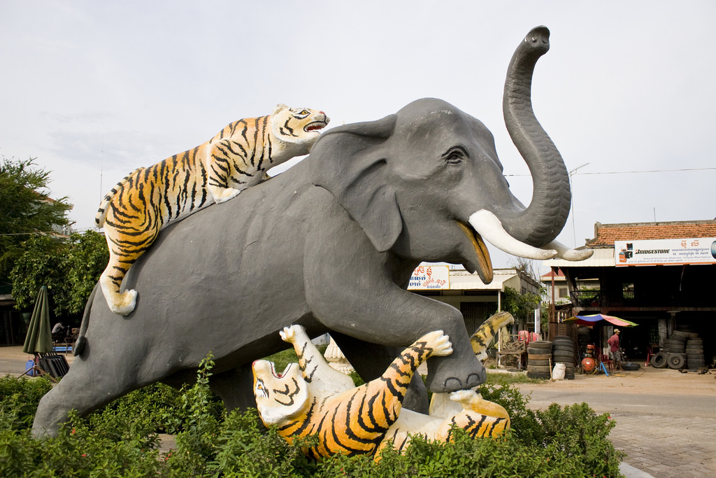 Elephant & Tigers Statue Kompong Thom, Elephant fighting Tigers statue in Kompong Thom | Elephant f… | Flickr