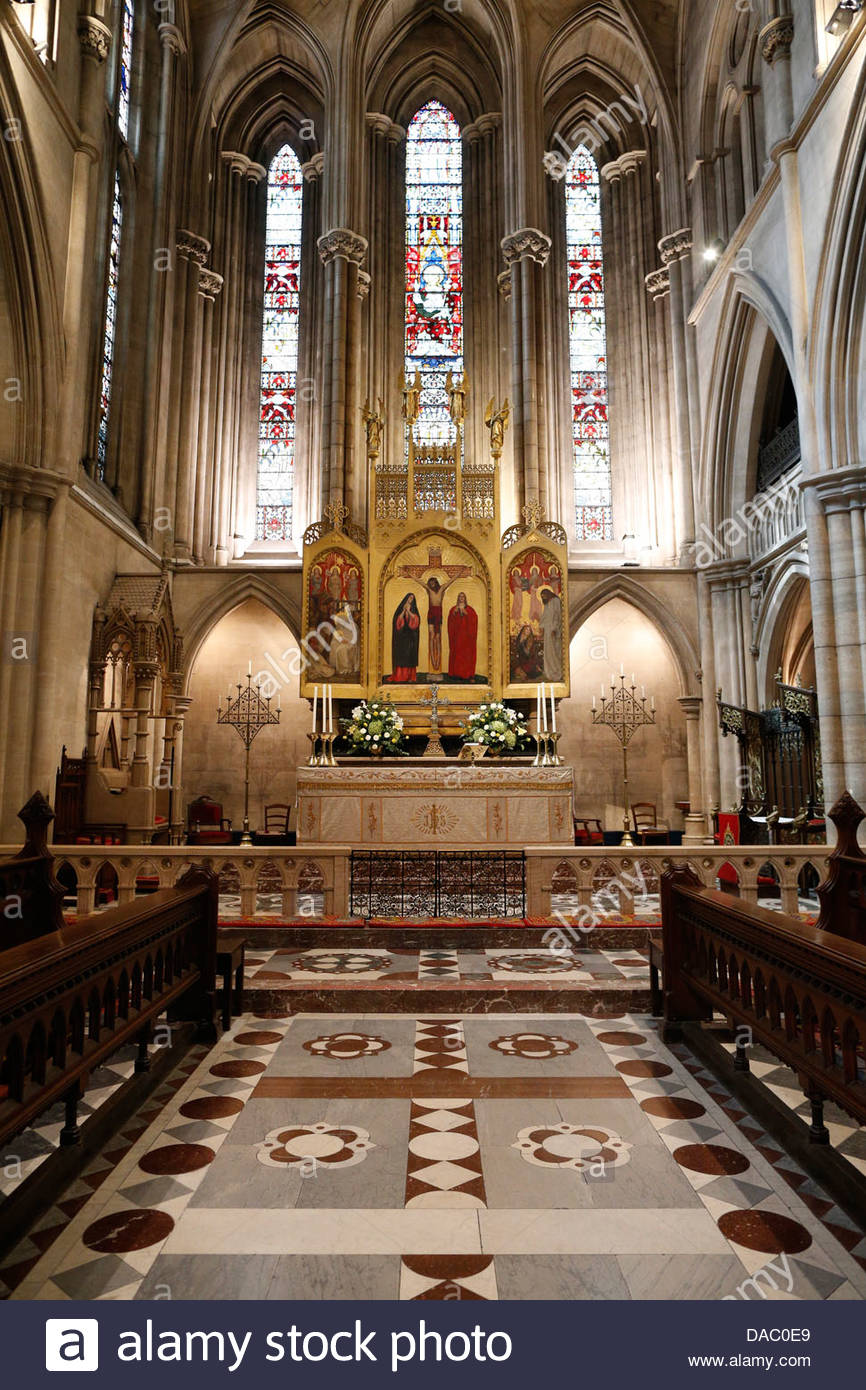 Espace Dalí Paris, The American Cathedral in Paris (the Cathedral Church of the Holy ...