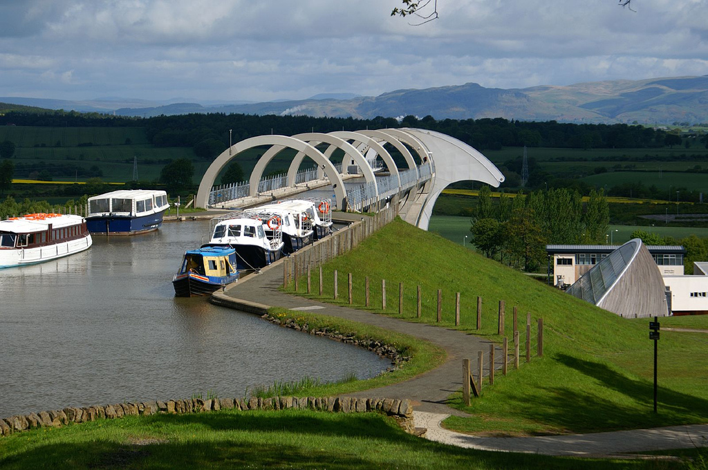 Falkirk Wheel Central Scotland, Maintaining the Falkirk Wheel - Buildipedia