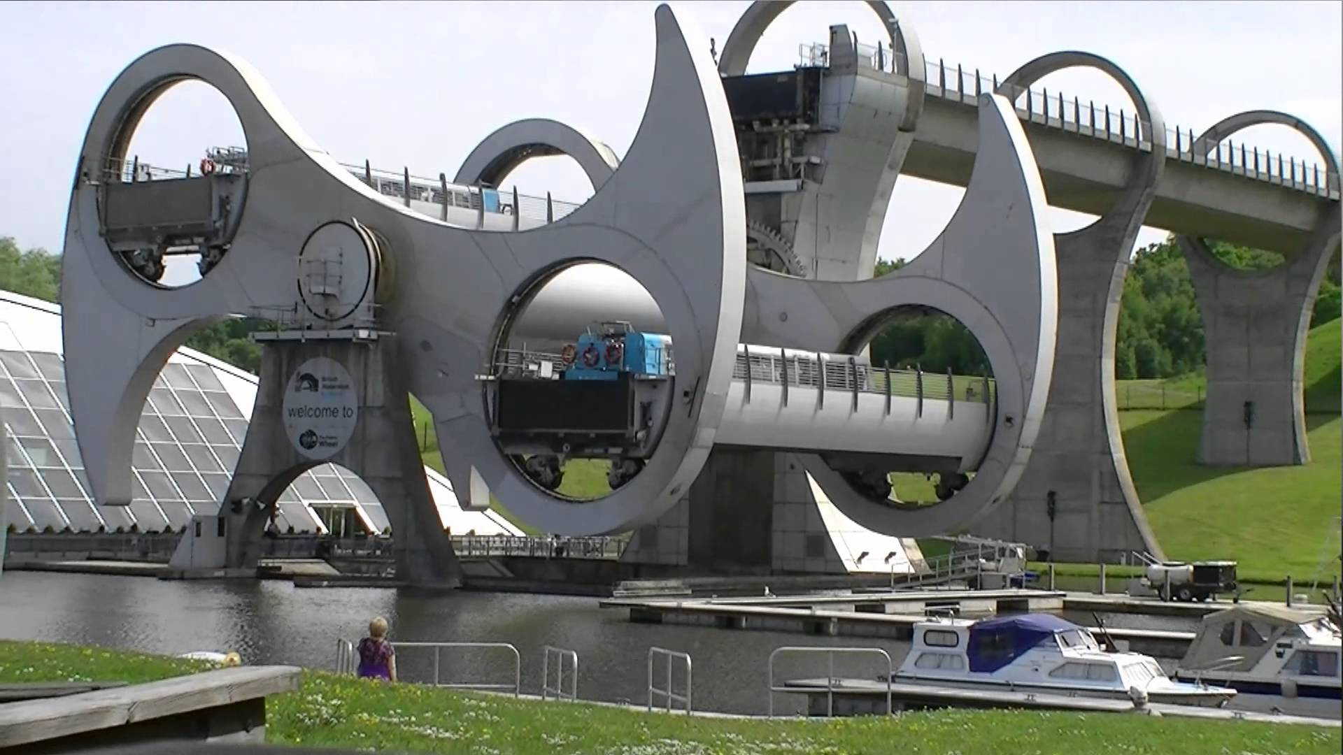 Falkirk Wheel Central Scotland, Falkirk Wheel - YouTube