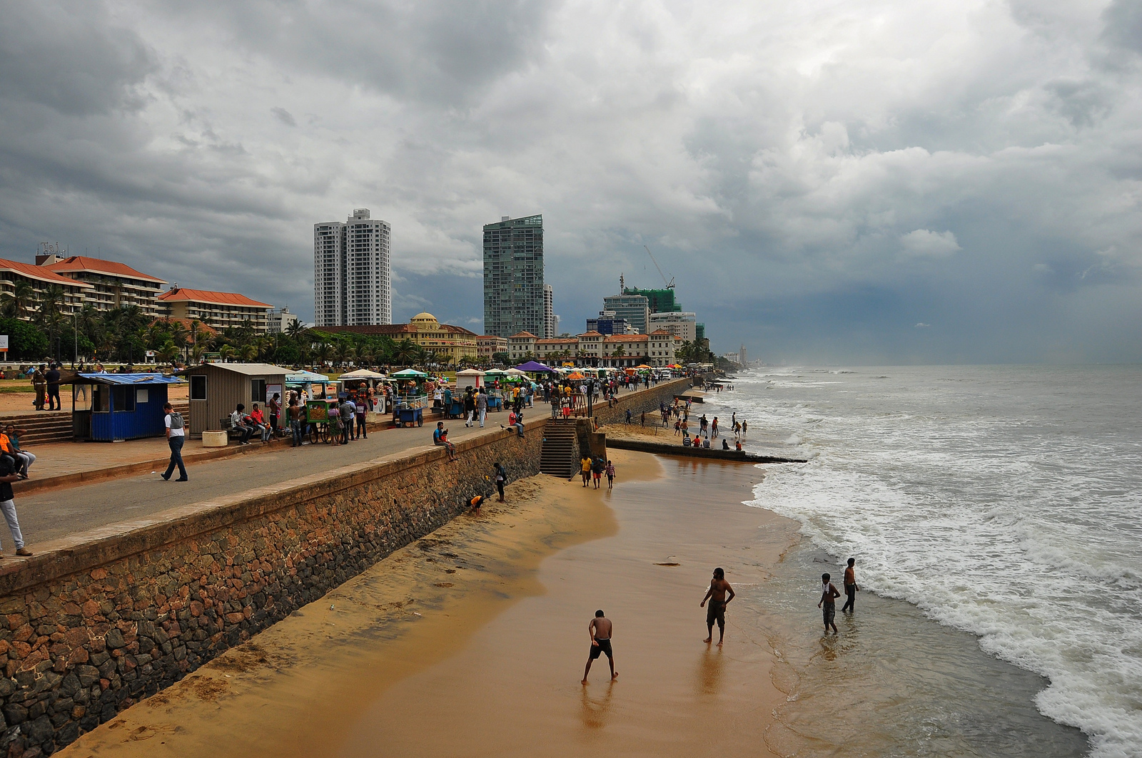 Galle Face Green Colombo, Navy official confesses to have sexually abused woman at Galle ...