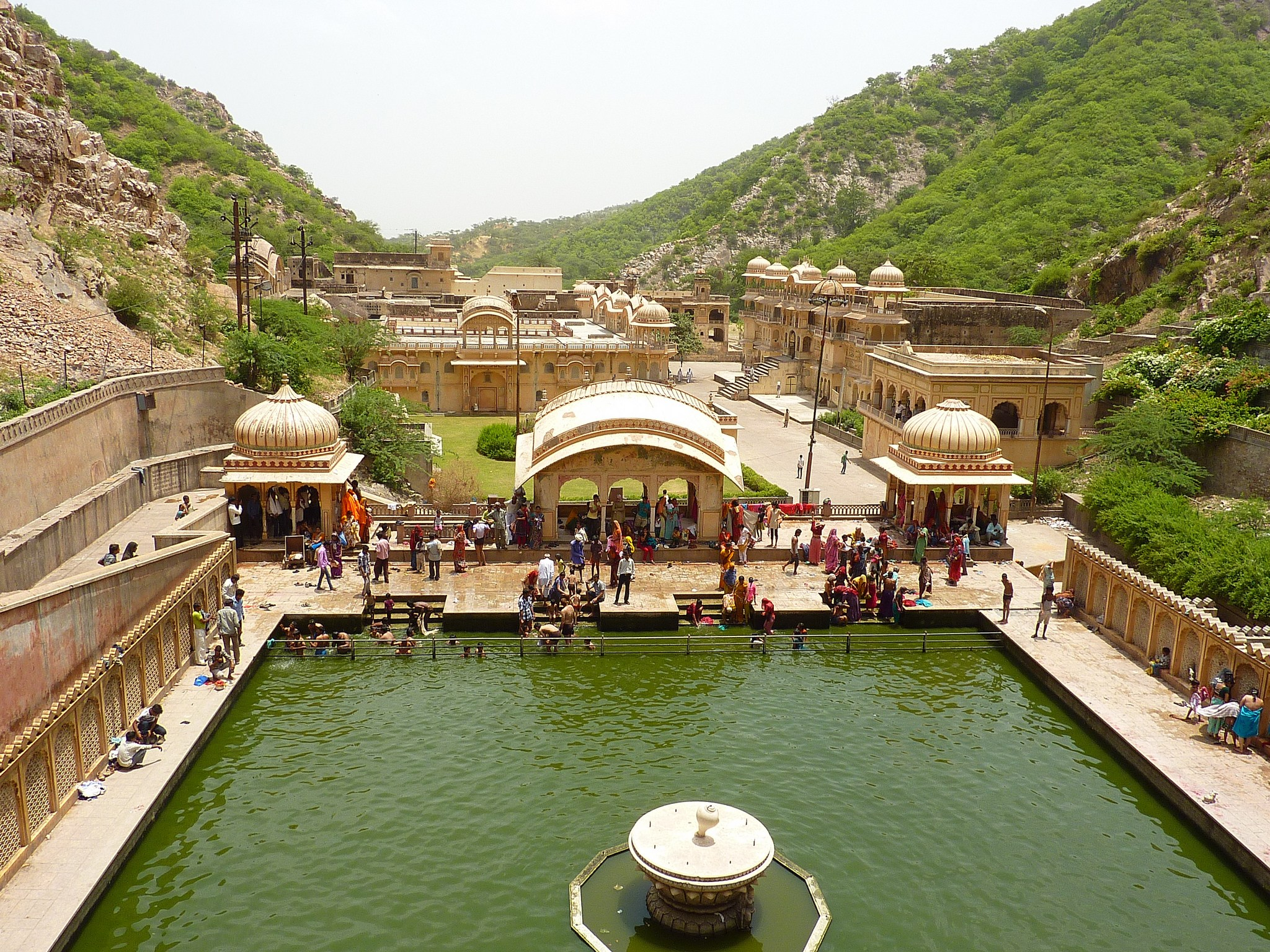 Galta Jaipur, The secret road to the Monkey Temple in Jaipur - Act of Traveling