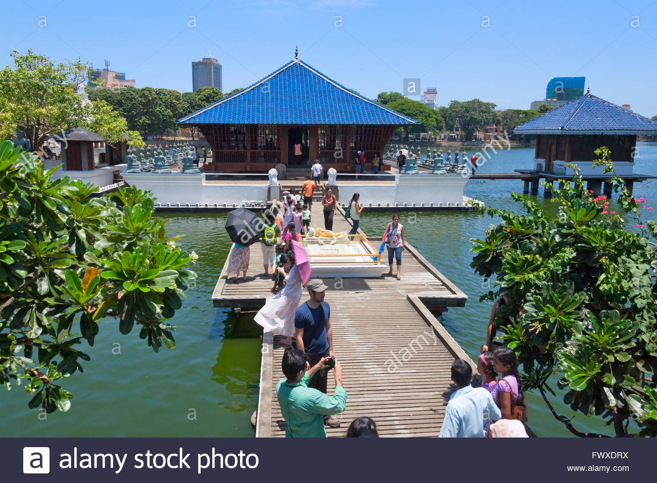 Gangaramaya Temple Colombo, Gangarama Temple on Beira Lake, Colombo, Sri Lanka Stock Photo ...