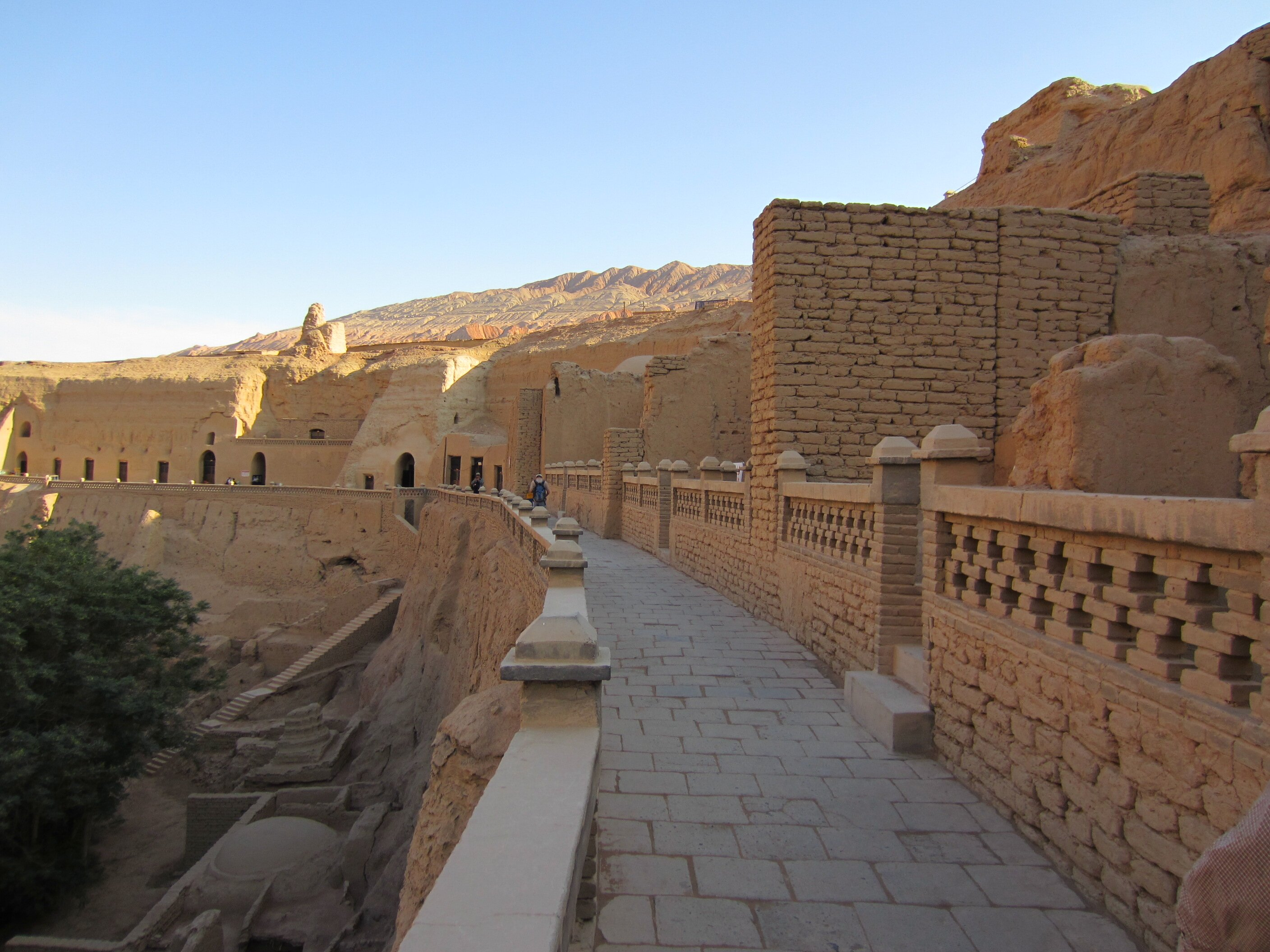 thousand wall temple