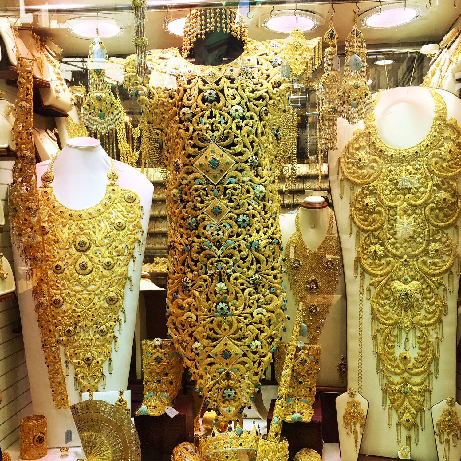 Gold Souk Dubai, Unimaginable Things That You Will Find at the Deira Gold Souk in ...