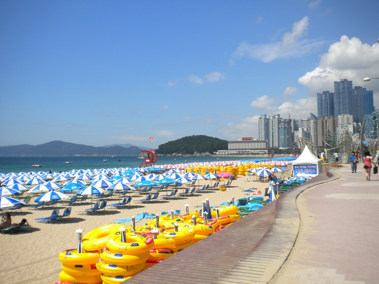 Haeundae Beach Busan, Haeundae Beach: The Most Gorgeous Beach Of South Korea | Haeundae ...