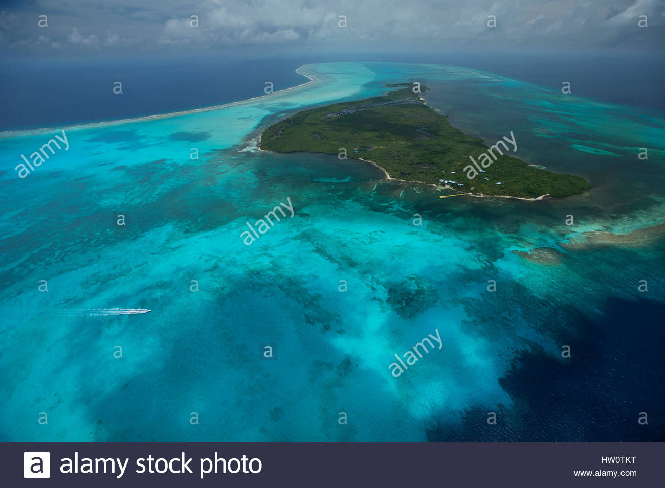 Half Moon Caye Natural Monument Half Moon Caye, The barrier reef at Half Moon Caye Natural Monument in the middle ...
