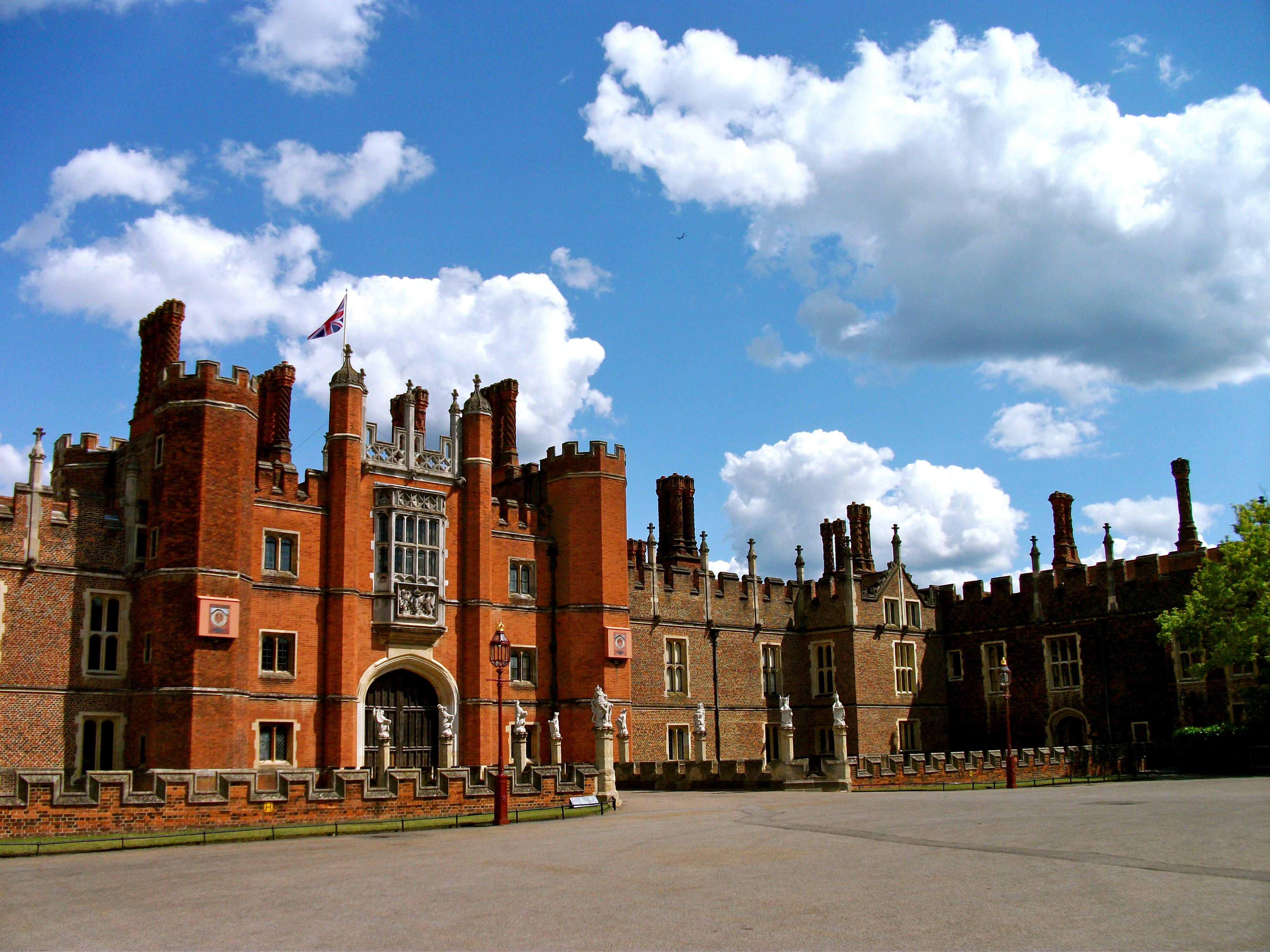 Hampton Court Palace London, Travel Directions to the Hampton Court Palace Half ...