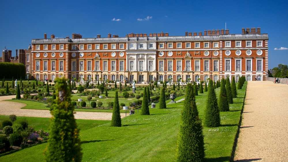 Hampton Court Palace London, Private Hampton Court Tour Lunch Stonehenge Bath - NEW -GoVoyager